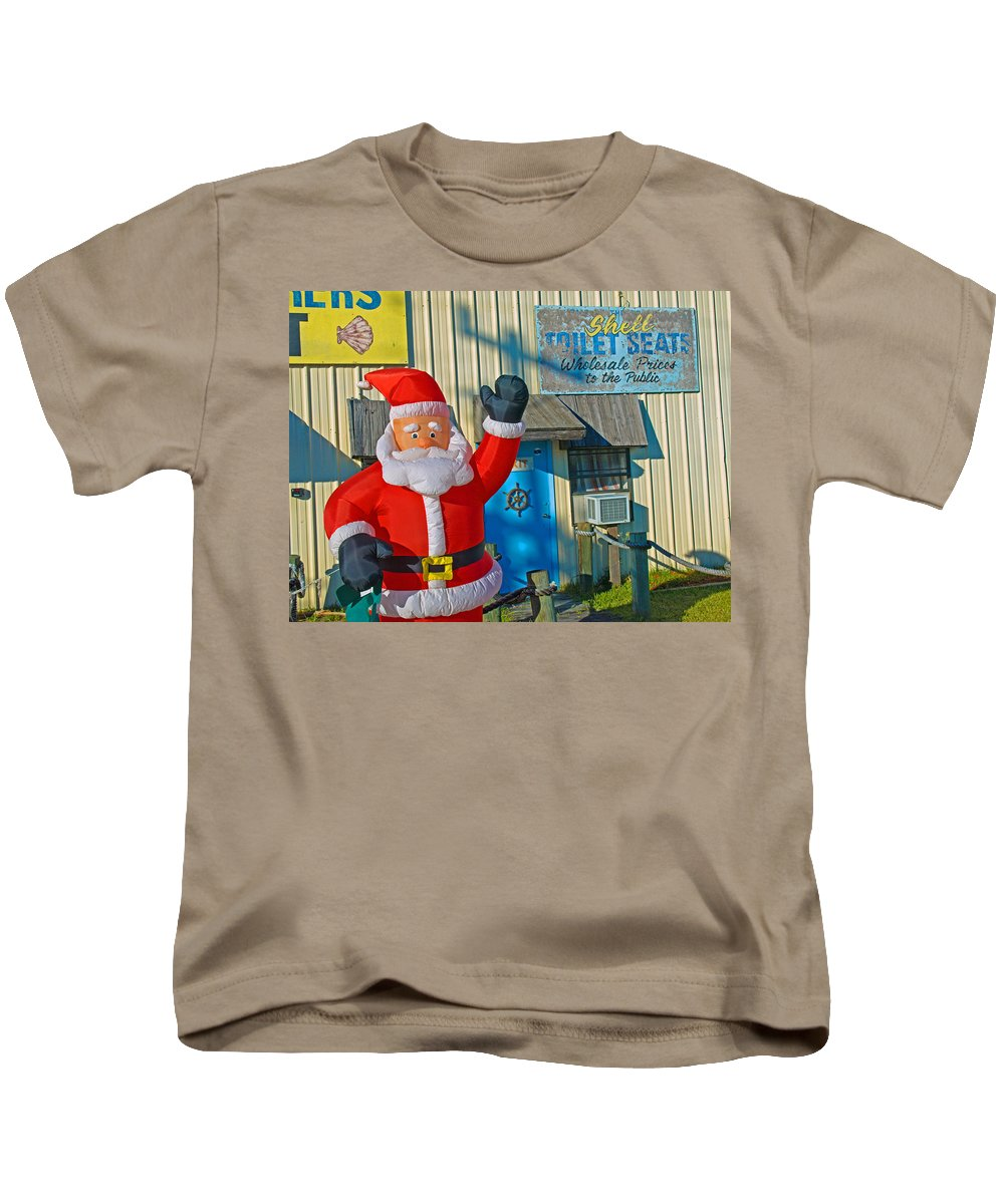 Florida; Christmas; Gift; Santa; Claus; Suggestion; Suggest; Present; Recommend; Recommendation; Cap Kids T-Shirt featuring the photograph Seashell Seats For Christmas by Allan Hughes