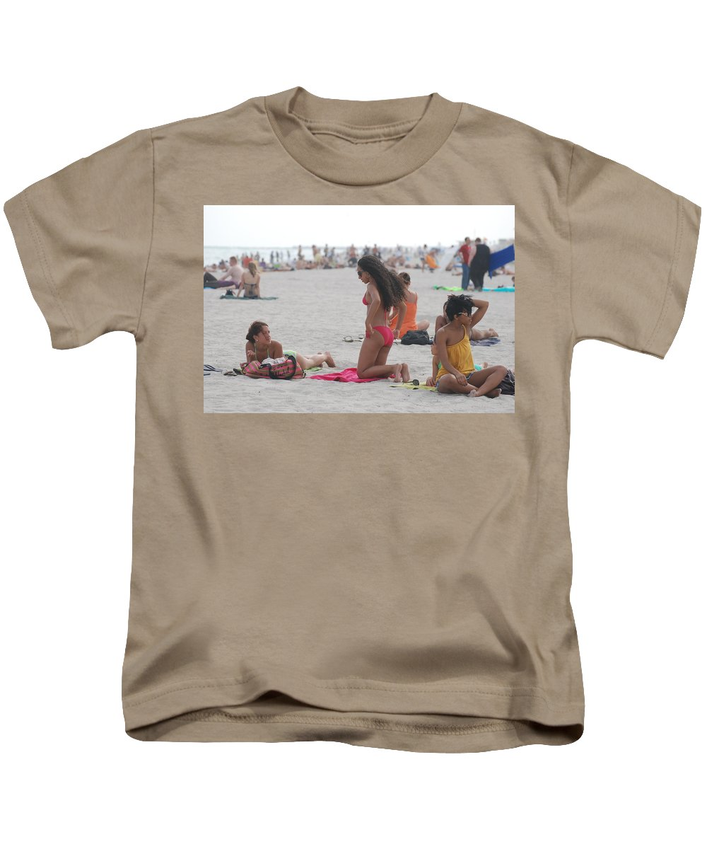 Girls Kids T-Shirt featuring the photograph At The Beach by Rob Hans