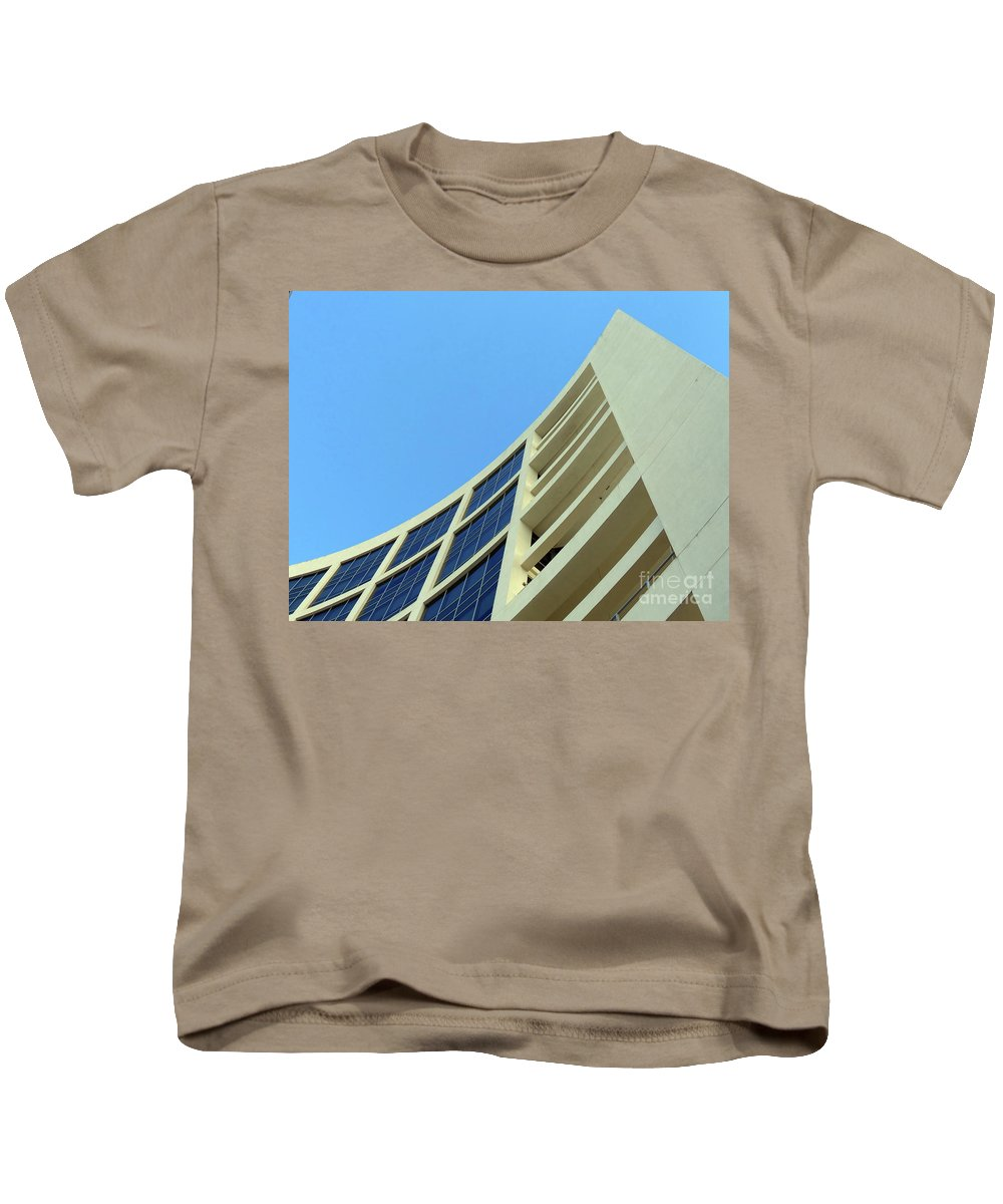Building.modern Architecture Kids T-Shirt featuring the photograph Clean Lines by Carlos Amaro