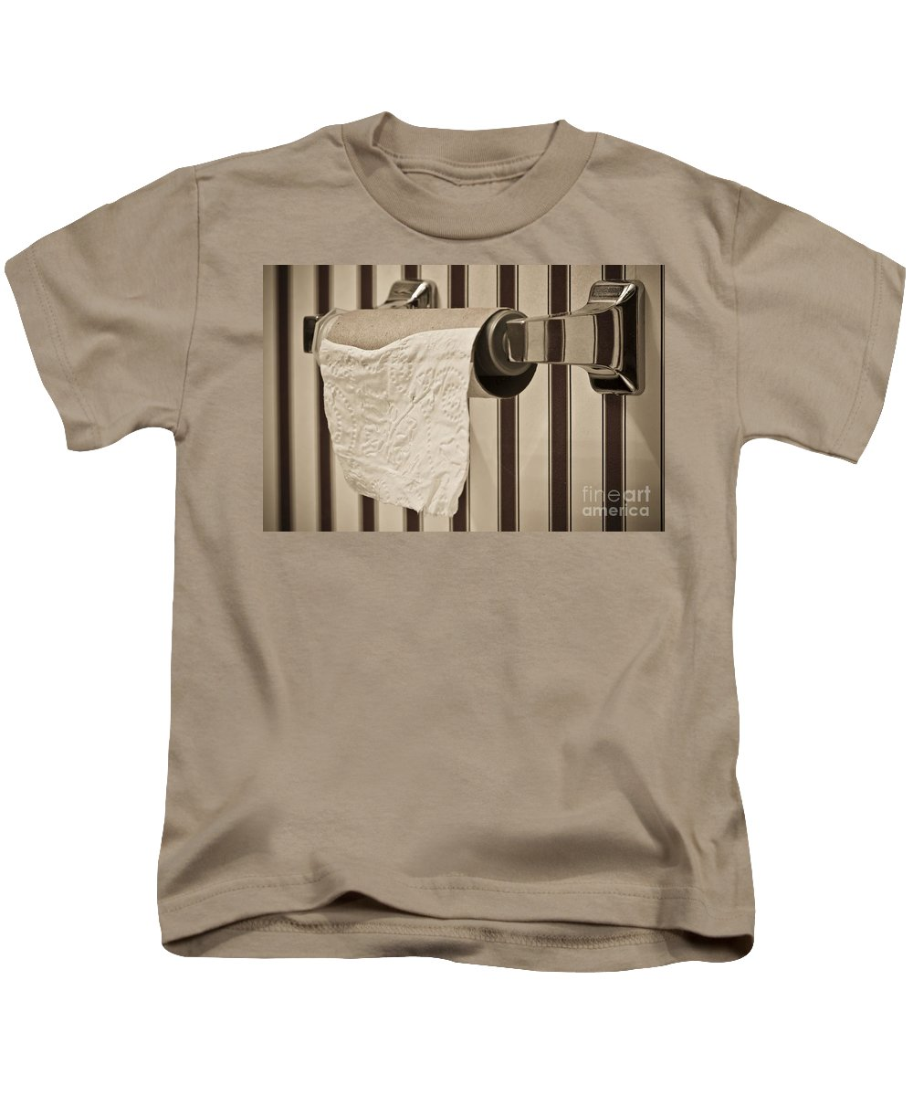 Critical Kids T-Shirt featuring the photograph Critical Thinking by Charles Dobbs