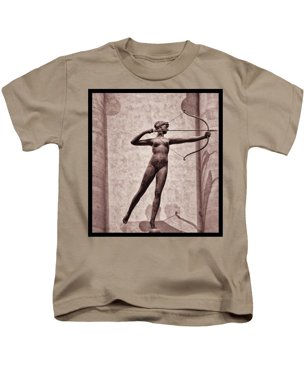 Madison Square Garden Kids T-Shirt featuring the photograph Diana - Goddess Of Hunt by Bill Cannon