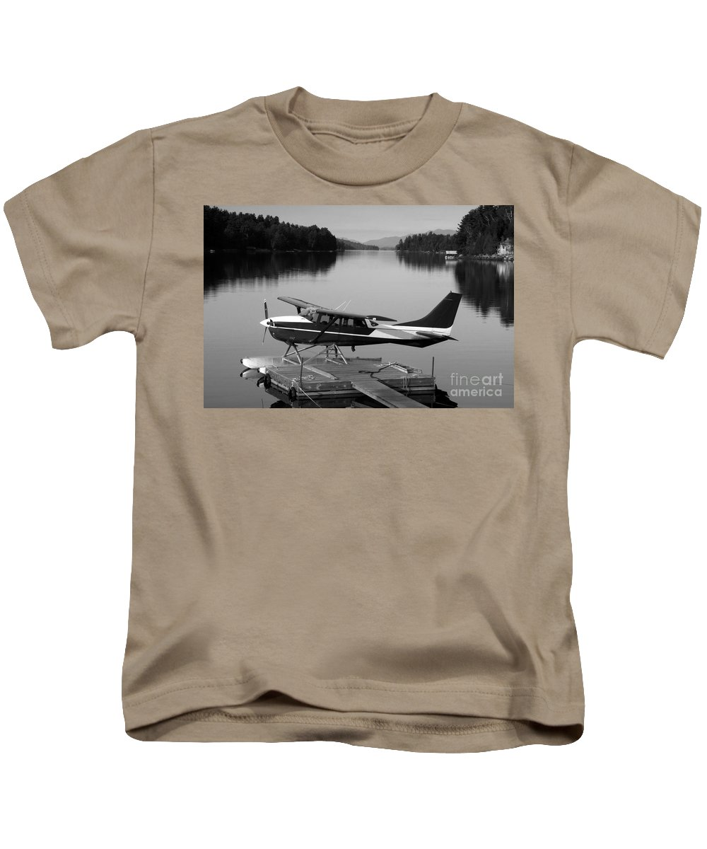 Float Plane Kids T-Shirt featuring the photograph Getting Away by David Lee Thompson