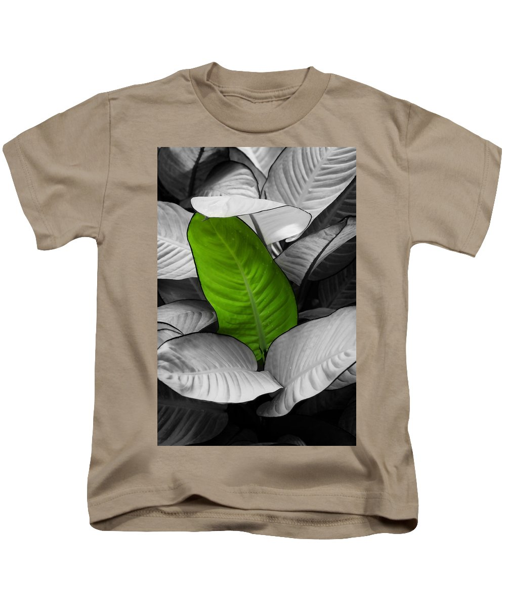 Leaf Kids T-Shirt featuring the photograph Going Green - Dreamy by Marilyn Hunt