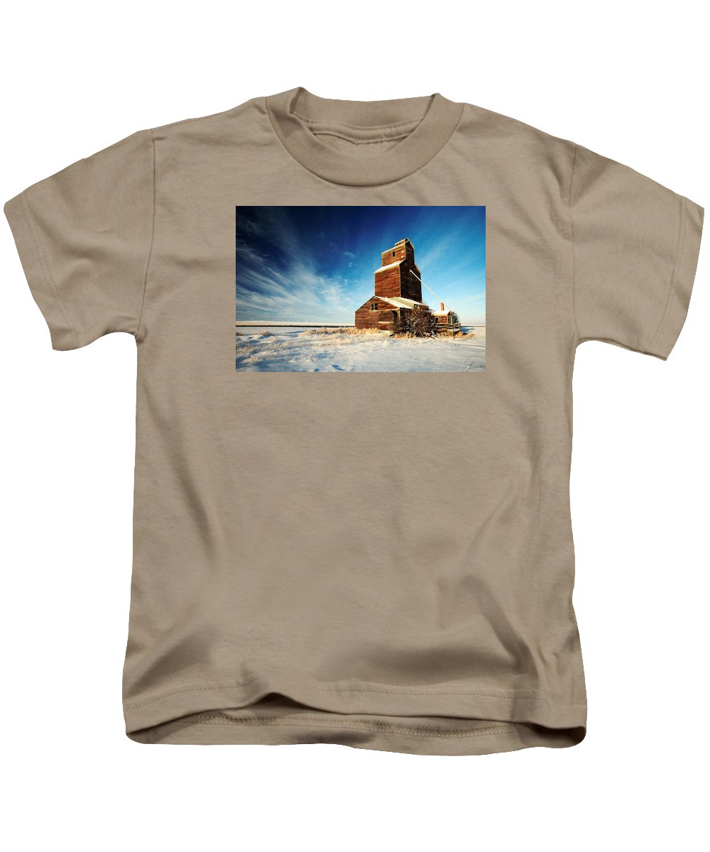 Grain Elevator Kids T-Shirt featuring the photograph Granary Chill by Todd Klassy