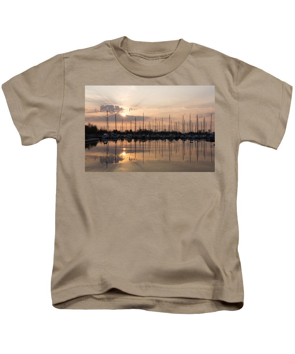 Georgia Mizuleva Kids T-Shirt featuring the photograph Heavenly Sunrays - Peaches-and-cream Sunrise With Boats by Georgia Mizuleva