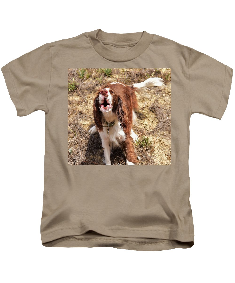 Linda Brody Kids T-Shirt featuring the photograph Howler 2 by Linda Brody