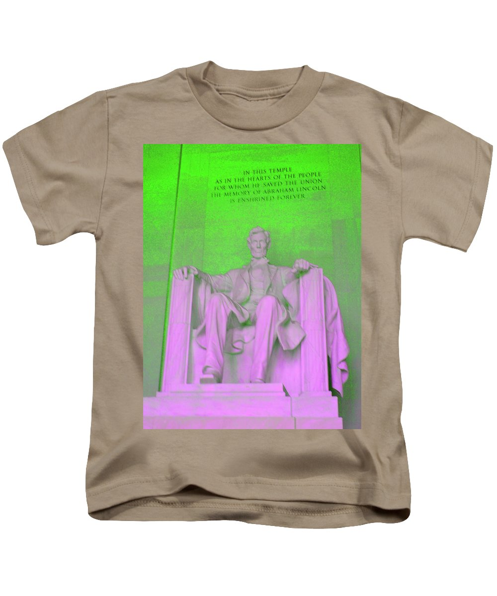 Green Kids T-Shirt featuring the photograph Lincoln In Green by Jost Houk
