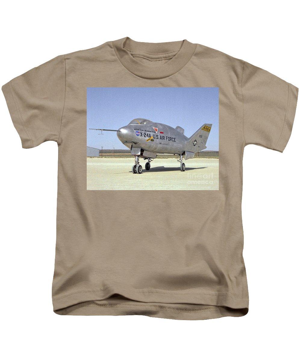 Martin Marietta X 24a Experimental Us Aircraft Kids T-Shirt featuring the photograph Martin Marietta X 24a Experimental Us Aircraft by R Muirhead Art