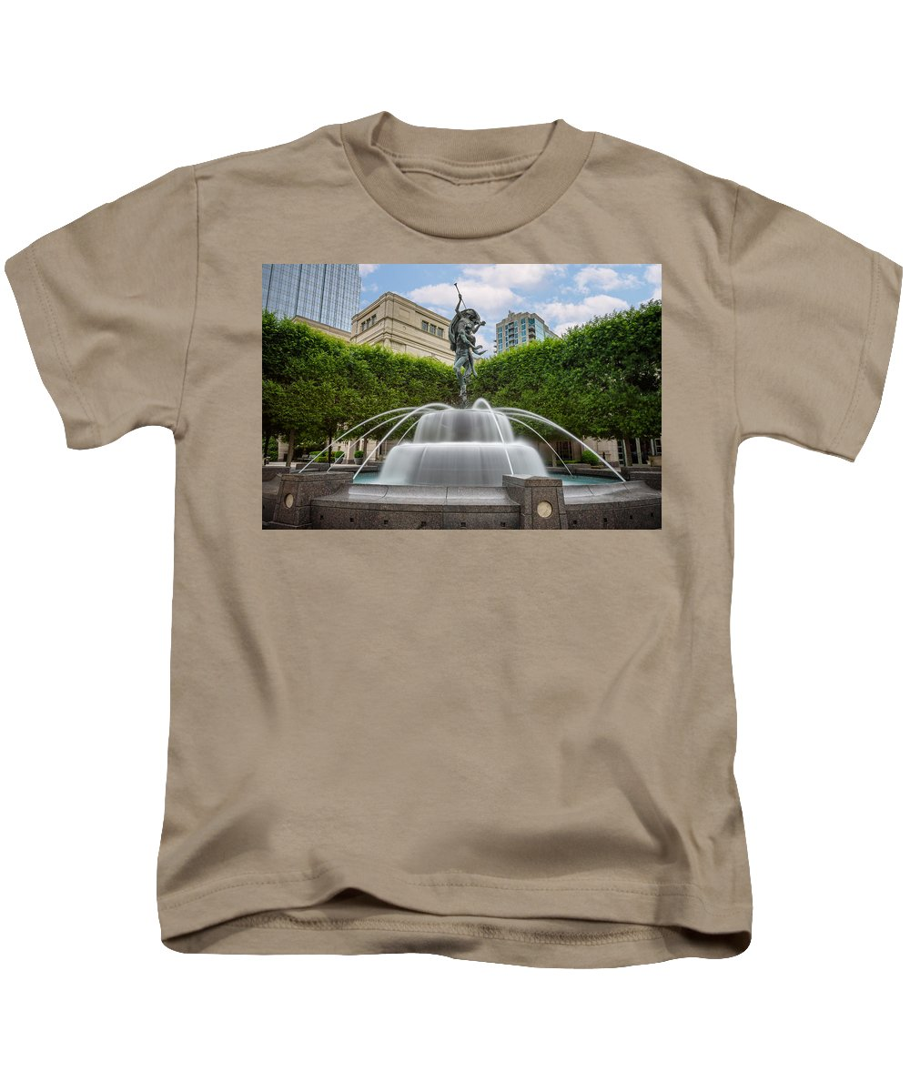 Nashville Kids T-Shirt featuring the photograph Nashville Fountain by Rob Mould