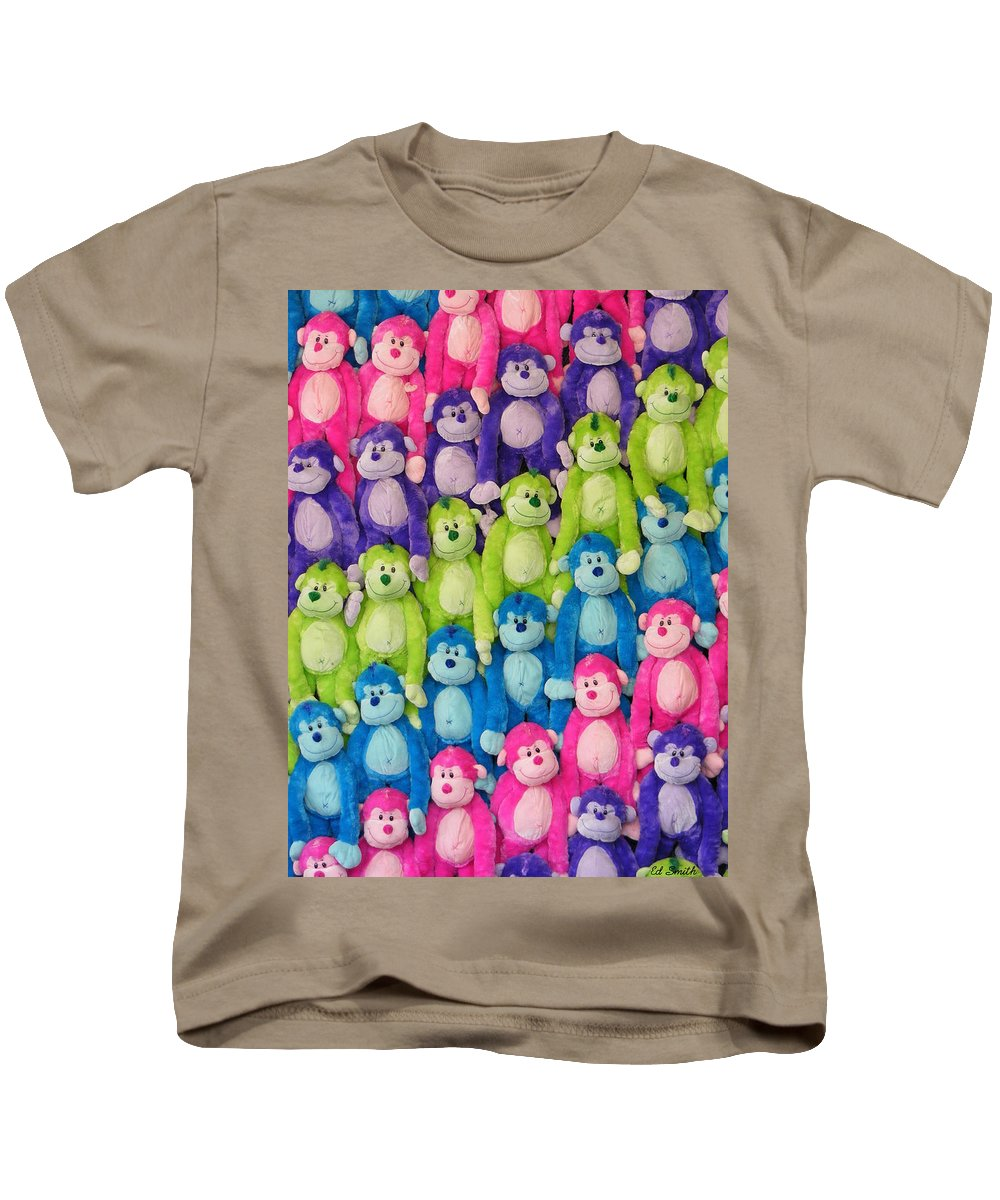 Ok Smiles Kids T-Shirt featuring the photograph Ok Smiles Everyone by Ed Smith