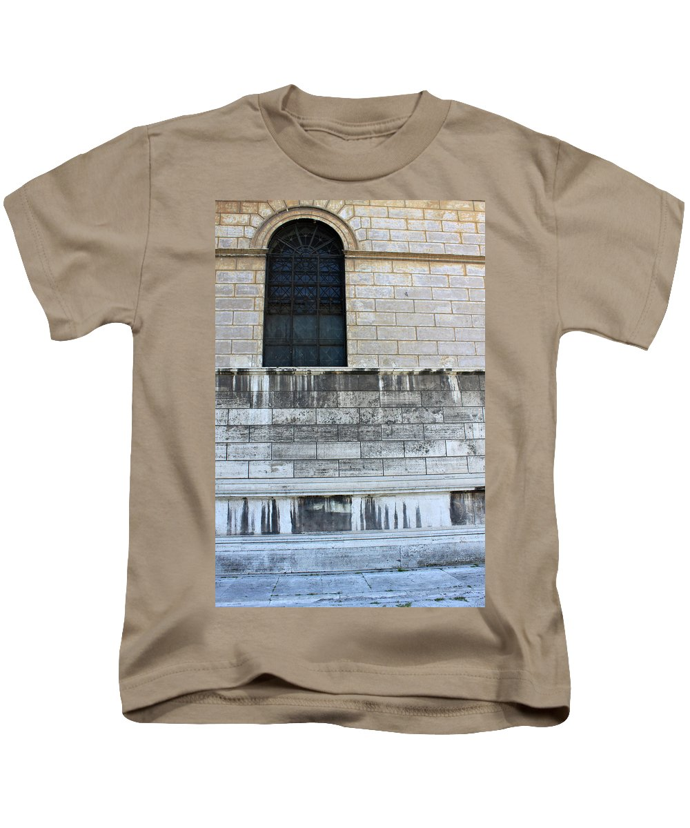 Old Kids T-Shirt featuring the photograph Old Paint by Munir Alawi