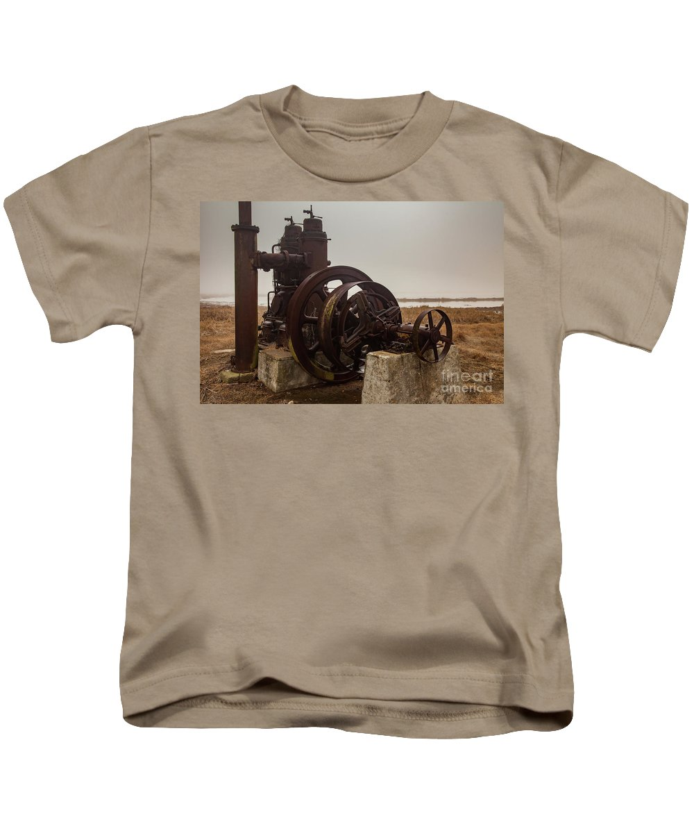 Arkansas Kids T-Shirt featuring the photograph Old Rice Well Pump by George Lehmann