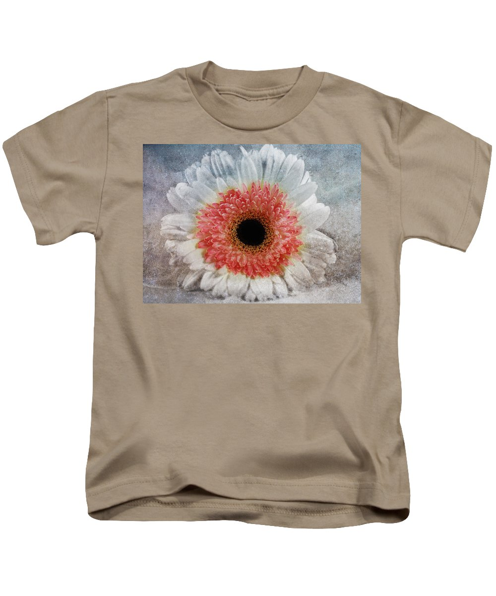 Macro Kids T-Shirt featuring the mixed media Pretty Gerbera Macro by Georgiana Romanovna
