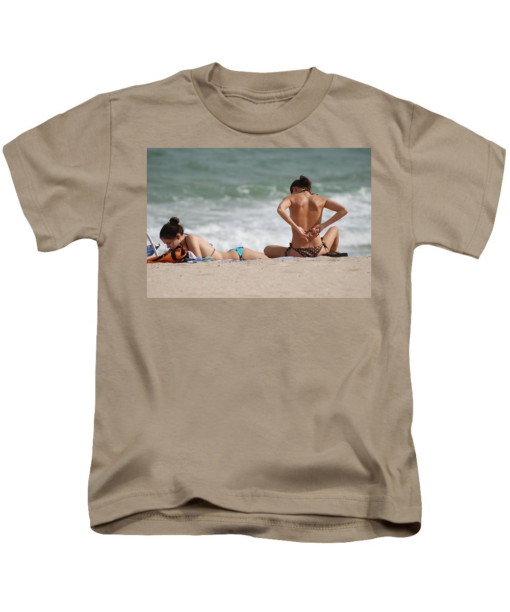 Sea Scape Kids T-Shirt featuring the photograph Reading And Bow Tie by Rob Hans