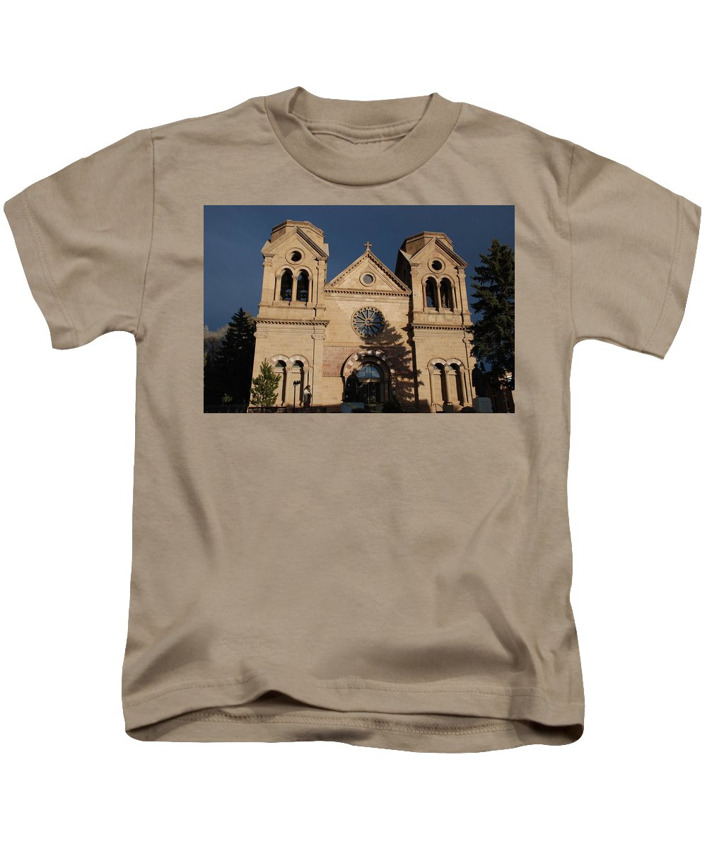 Architecture Kids T-Shirt featuring the photograph Santa Fe Church by Rob Hans