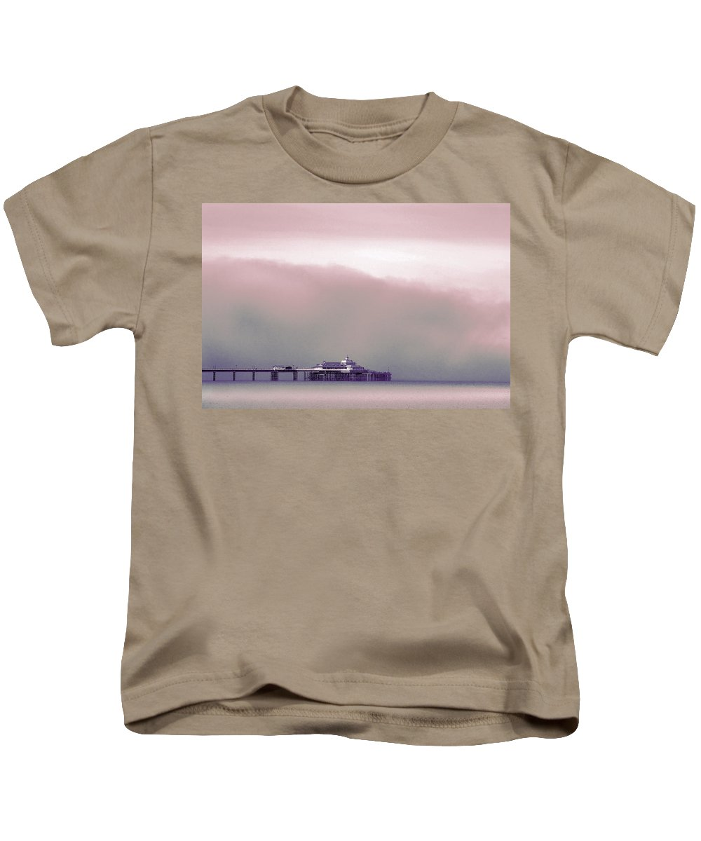 Pier Kids T-Shirt featuring the photograph Sea Mist Replaces The Great Orme As The Backdrop To Llandudno Pier by Mal Bray