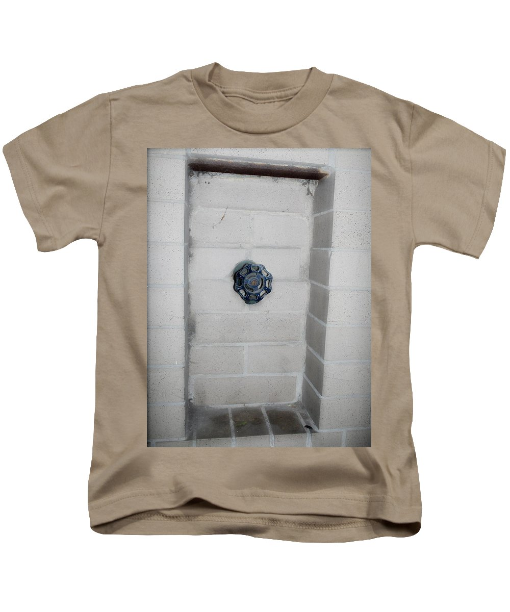 Color Photograph Kids T-Shirt featuring the photograph Spicket by Thomas Valentine