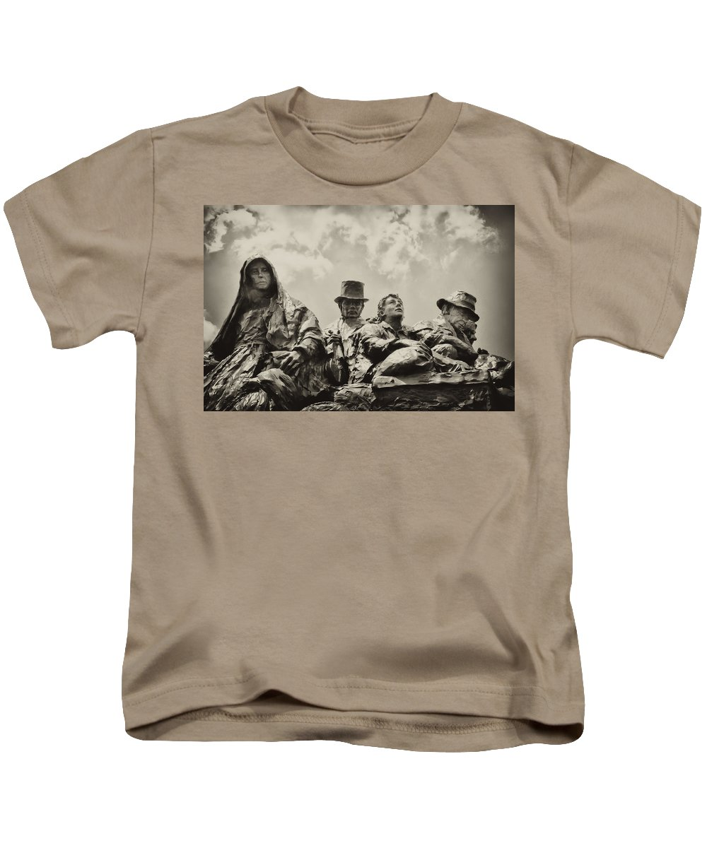 Philadelphia Kids T-Shirt featuring the photograph The Irish Emigration by Bill Cannon