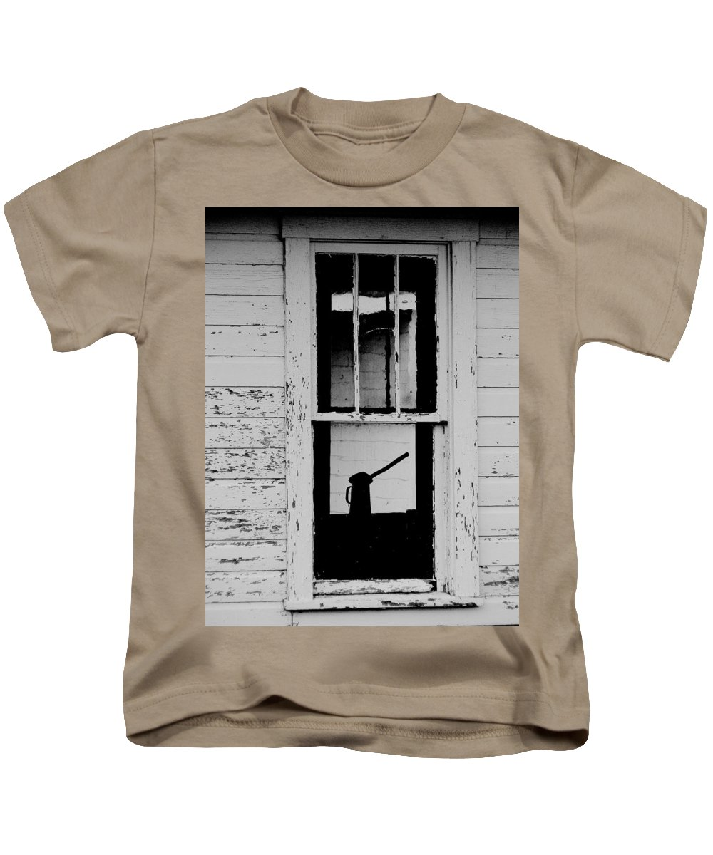 Still Life Kids T-Shirt featuring the photograph Window To The Past by Ed Smith