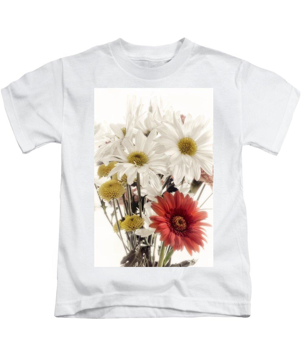 Daisy Kids T-Shirt featuring the digital art Daisy by Diane Dugas