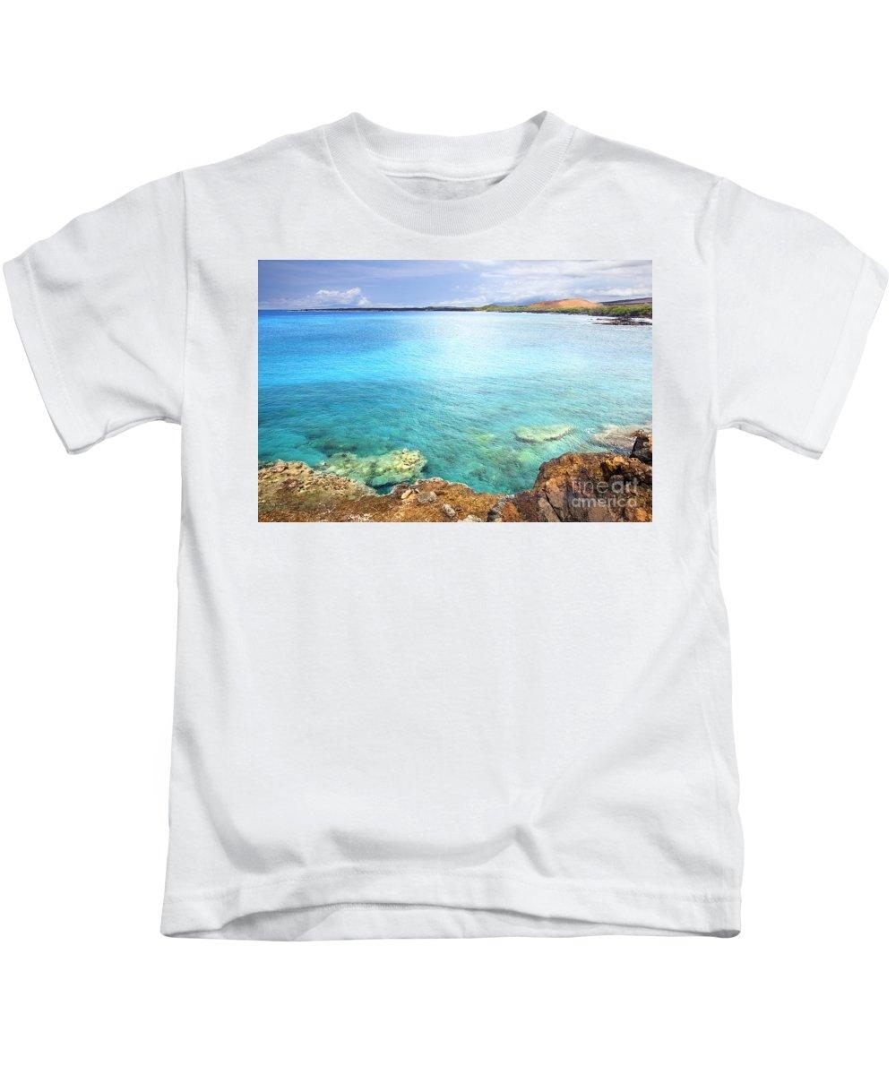 Amazing Kids T-Shirt featuring the photograph La Perouse Bay by Jenna Szerlag