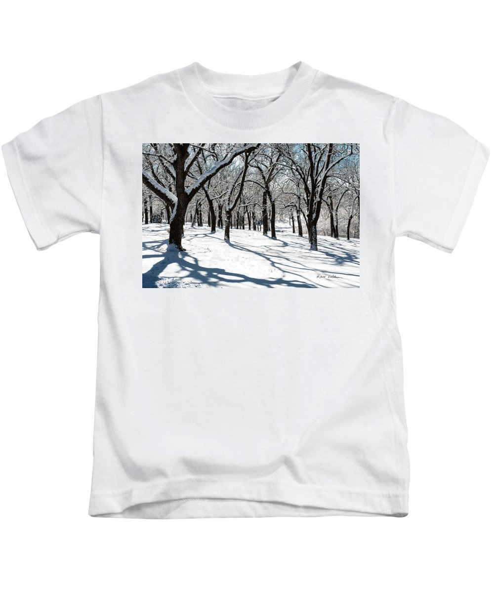 Winter Scene Kids T-Shirt featuring the photograph Bright Day by Edward Peterson
