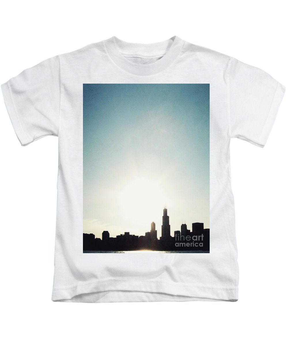 America Kids T-Shirt featuring the photograph Chicago Skyline I by Margie Hurwich