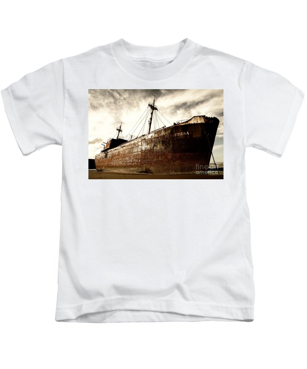 Kids T-Shirt featuring the photograph Desdemona 3 by Karla Weber