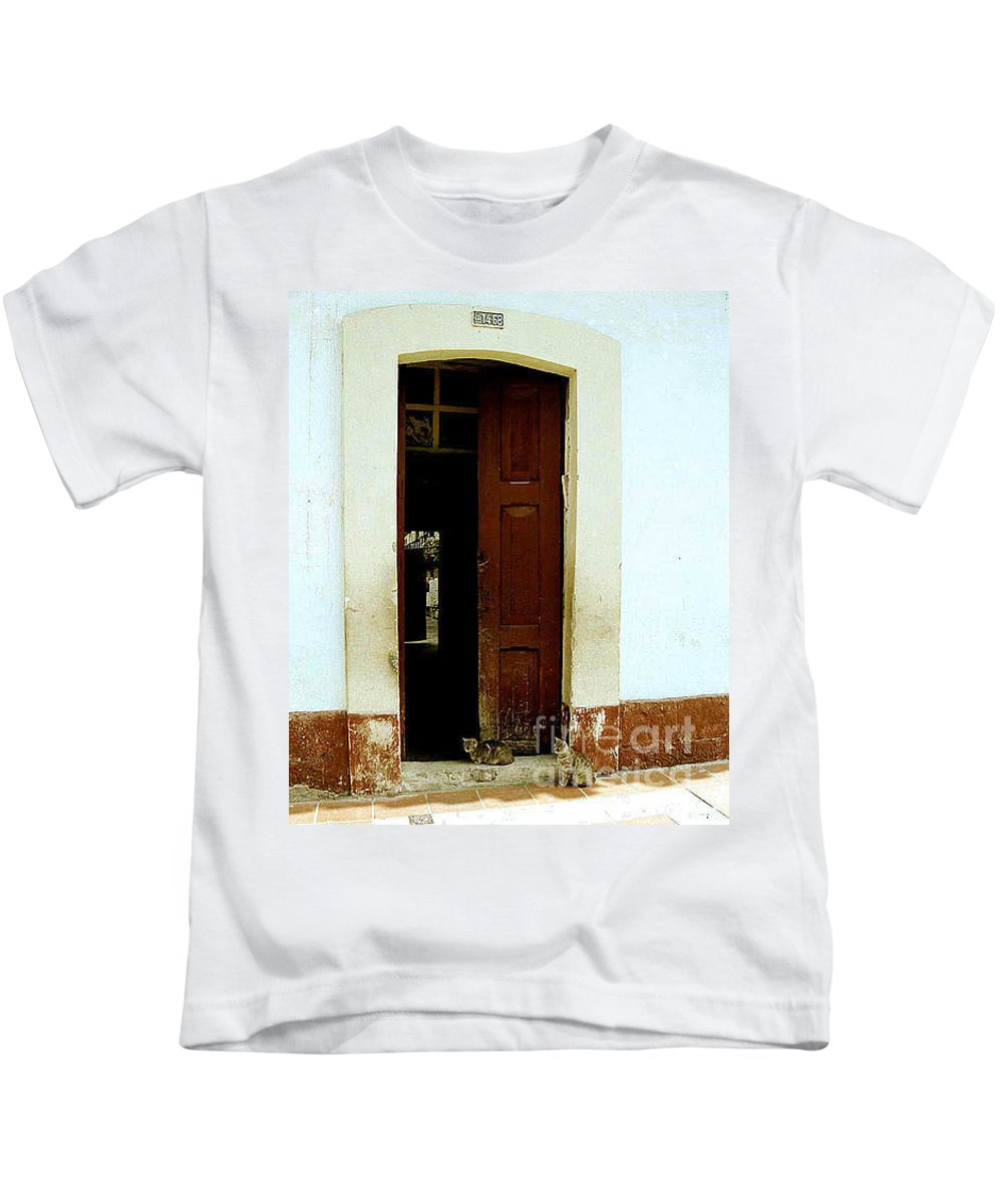 Cats Kids T-Shirt featuring the photograph Dos Puertas Con Dos Gatos by Kathy McClure
