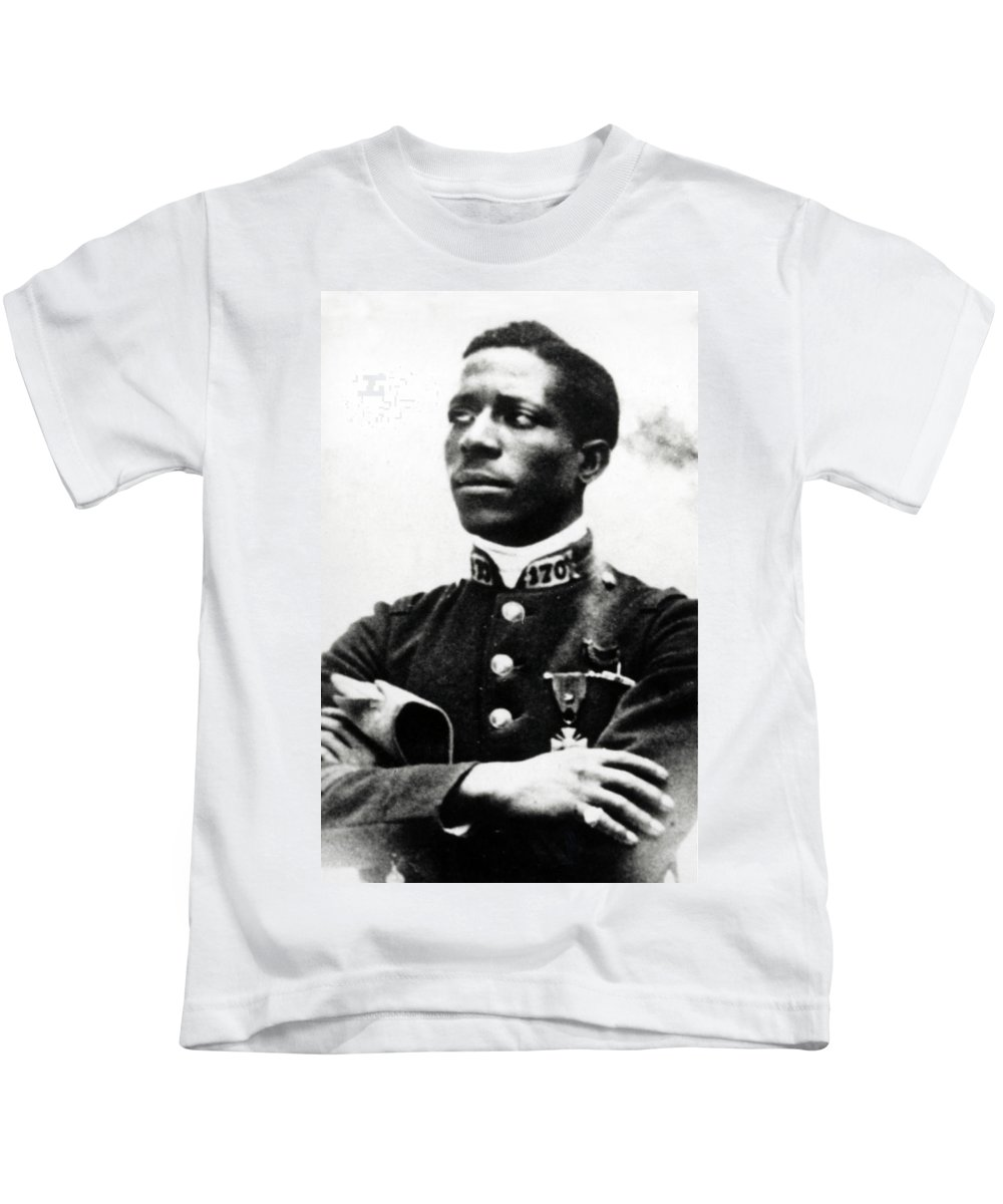 Aviation Kids T-Shirt featuring the photograph Eugene Bullard, Wwi American Pilot by Science Source