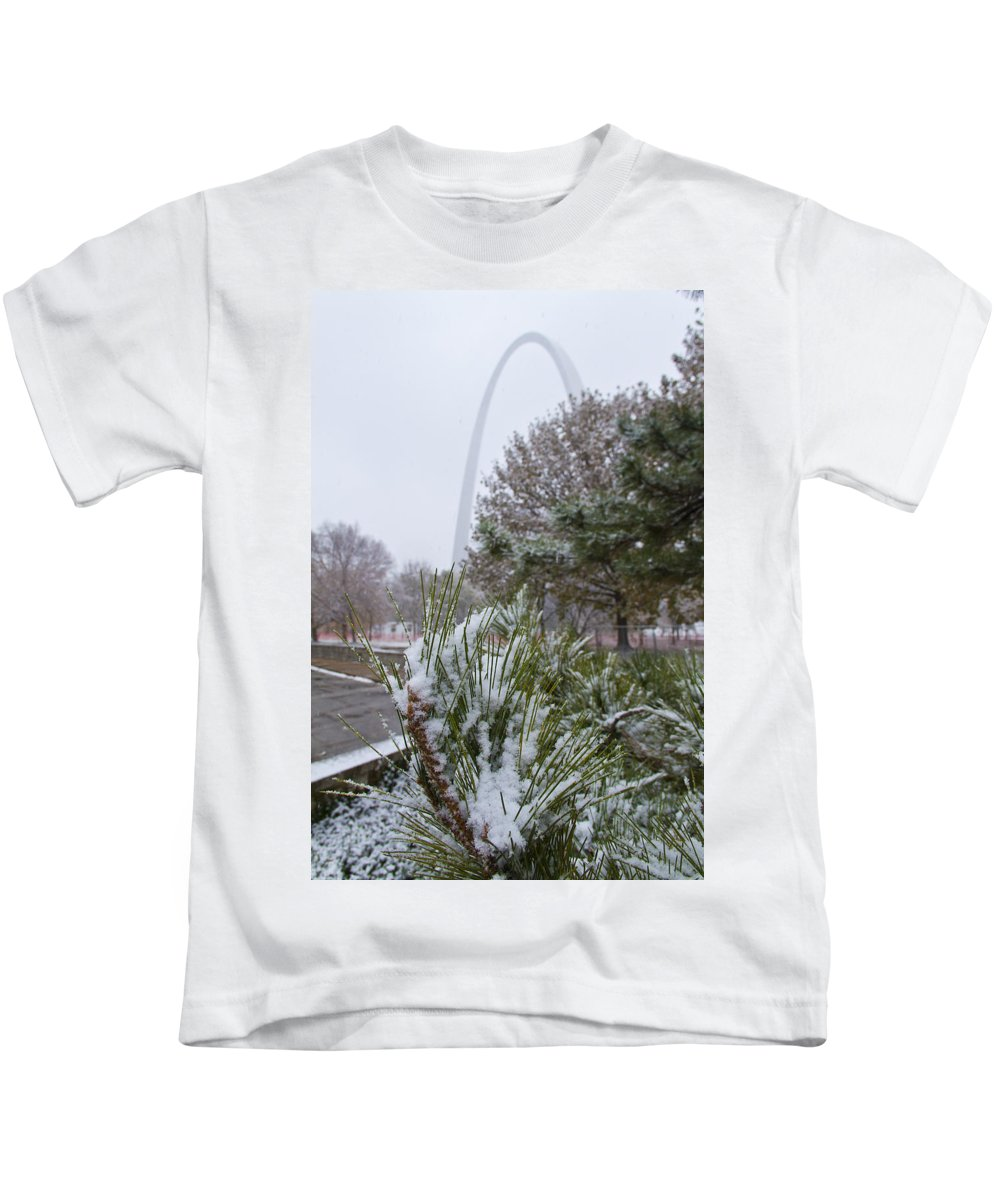 St Louis Kids T-Shirt featuring the photograph First Snow Of The Season by Garry McMichael