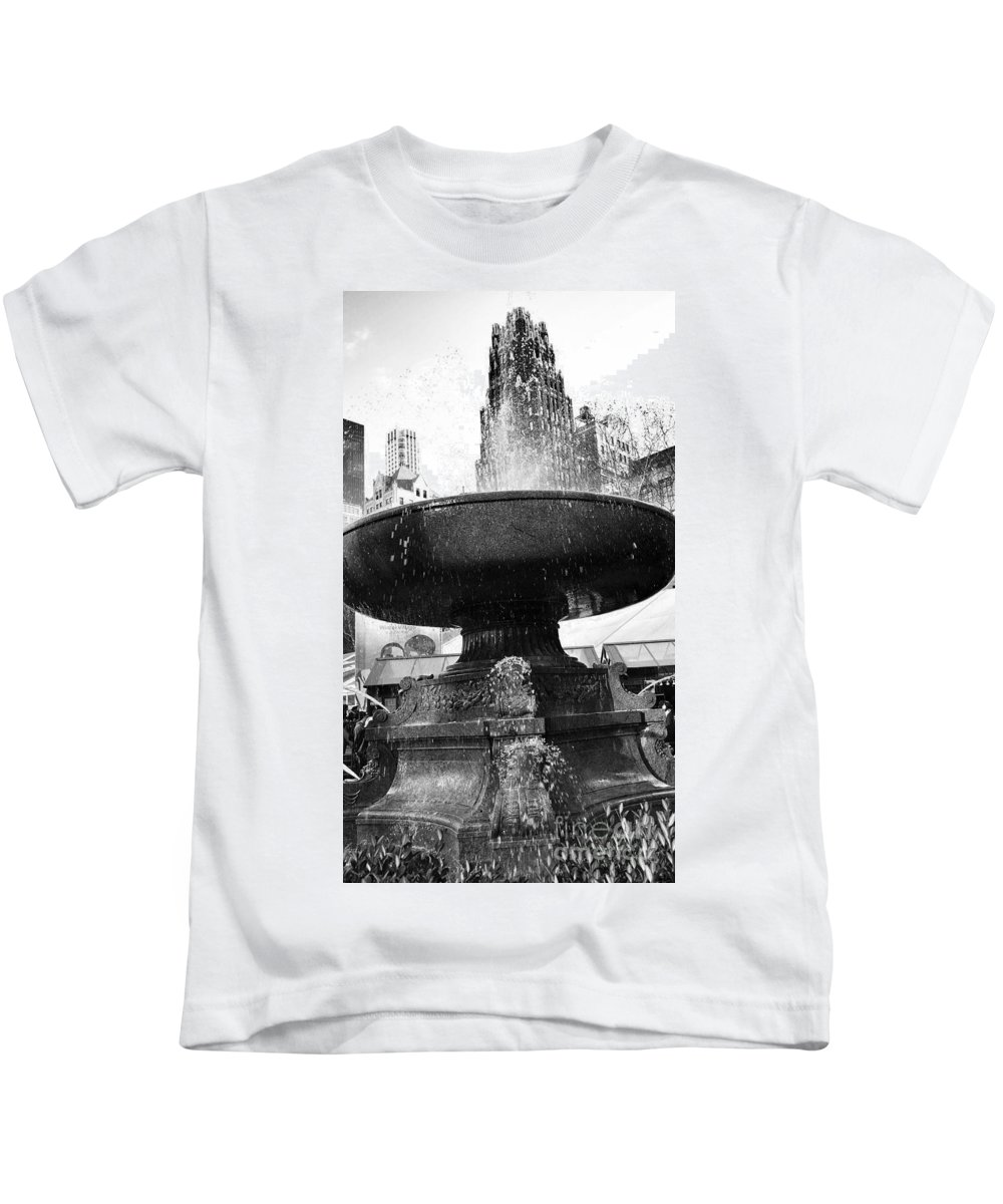 New York Kids T-Shirt featuring the photograph Fountain At Bryant Park by Traci Law