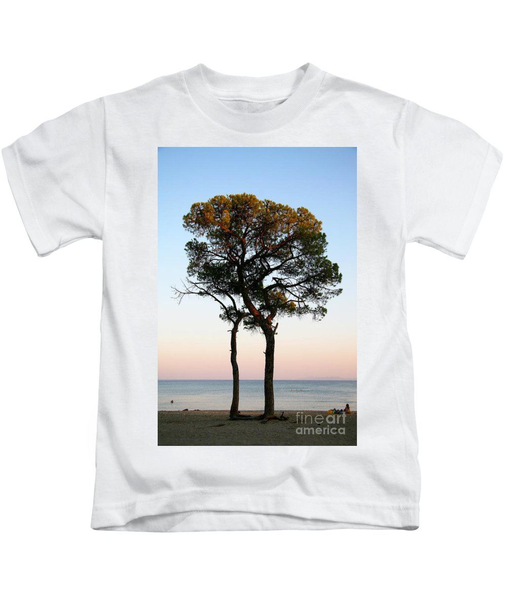 Kids T-Shirt featuring the photograph Inlove by Alexandros Petrides