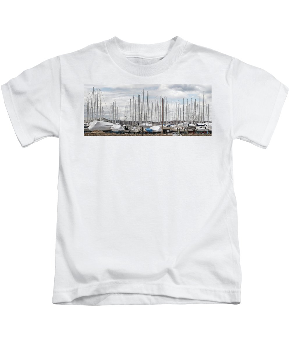 Sailboat Kids T-Shirt featuring the photograph Glen Cove Mast Appeal by Bob Slitzan