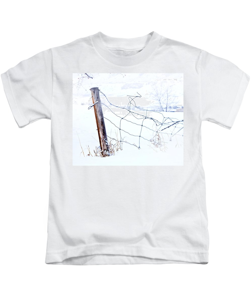 Winter Kids T-Shirt featuring the photograph Old Wire Fence by Theresa Tahara