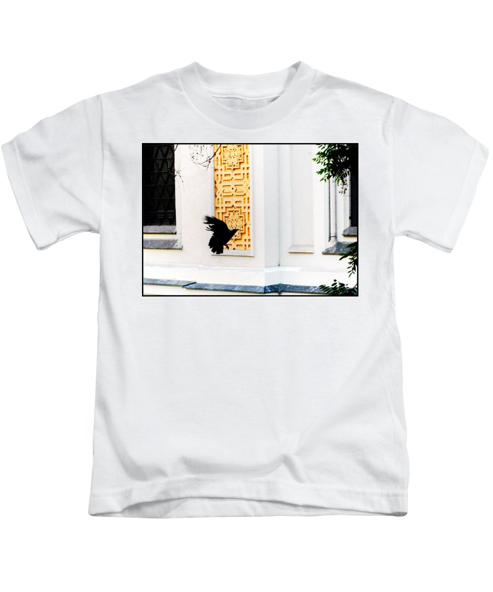 Prague Kids T-Shirt featuring the photograph Prague Synagogue by Paul Sutcliffe