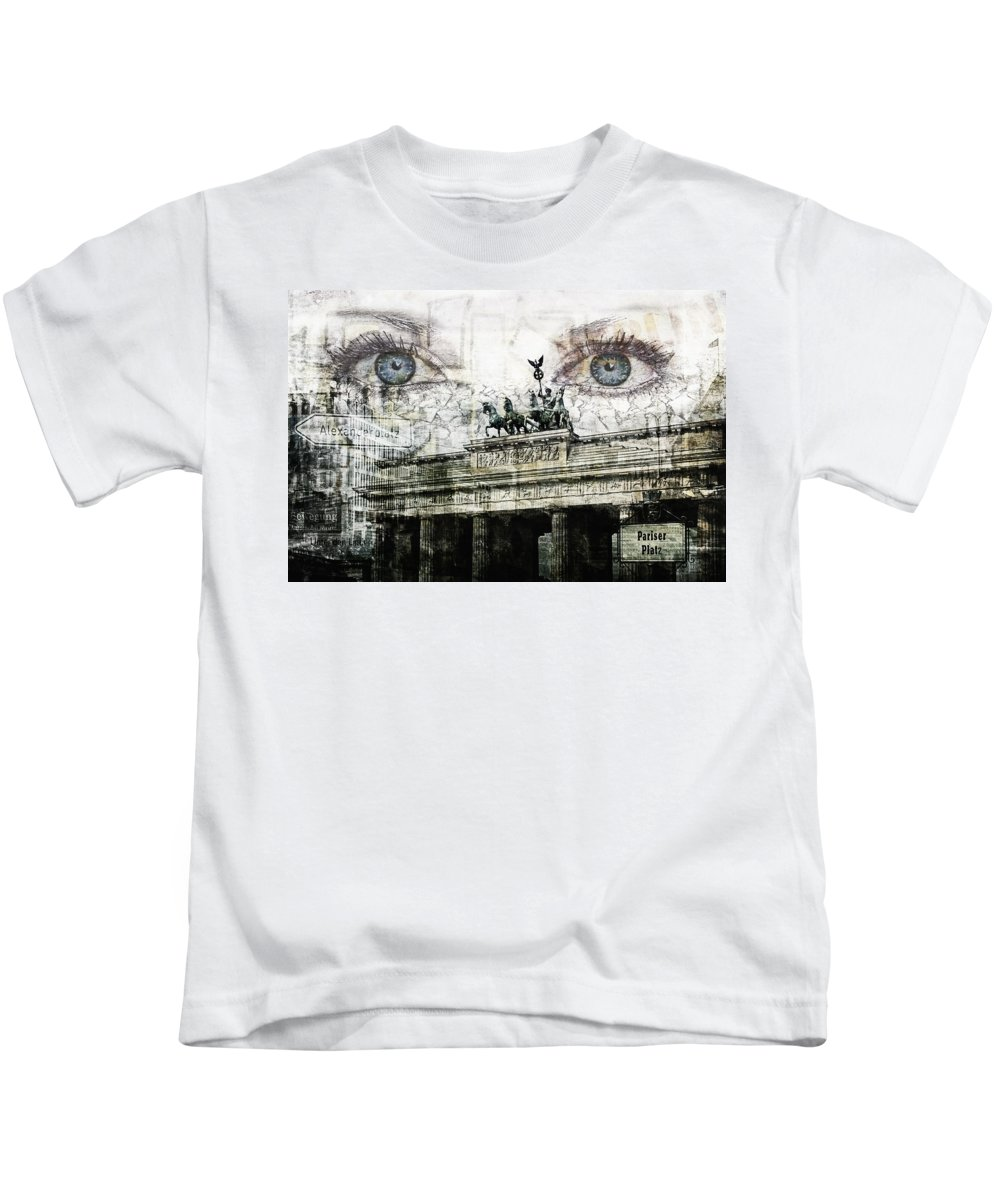 Berlin Kids T-Shirt featuring the photograph see you in Berlin by Claudia Moeckel