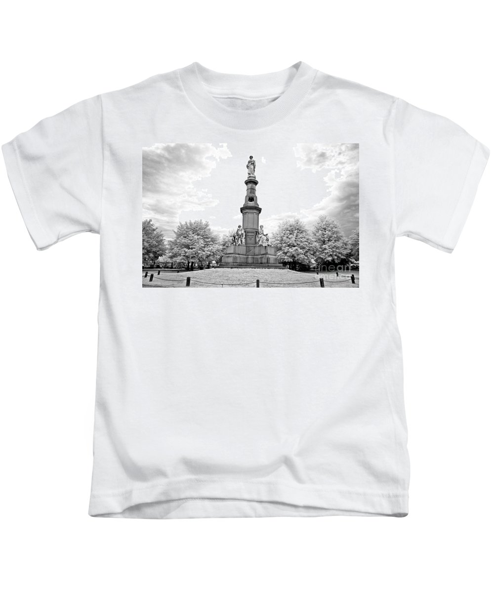 Infrared Kids T-Shirt featuring the photograph Soldier's Monument - Gettysburg - Irbw by Paul W Faust - Impressions of Light