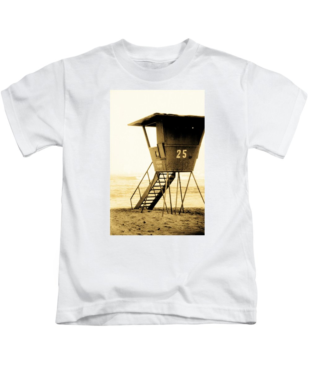 Lifeguard Station 25 Kids T-Shirt featuring the photograph Sunset Tower 25 by Sean Davey