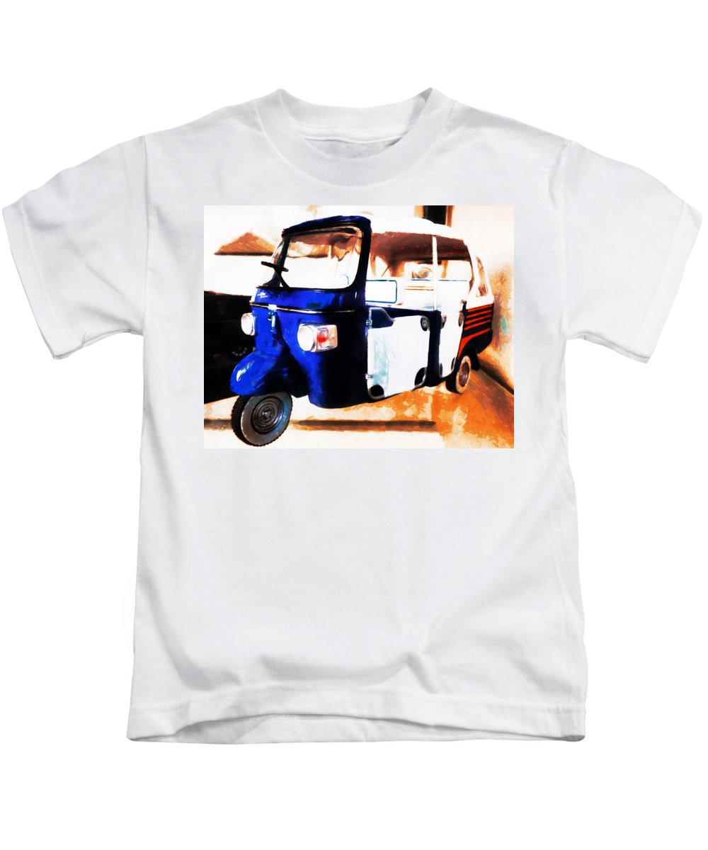 Abstract Kids T-Shirt featuring the photograph The Ape by Steve Taylor