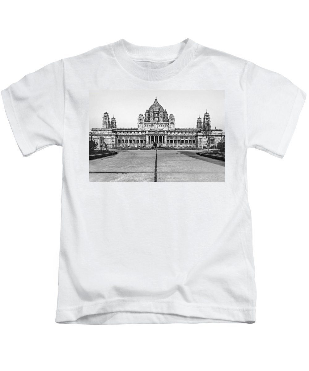 India Kids T-Shirt featuring the photograph Umaid Bhawan Palace Monochrome by Steve Harrington