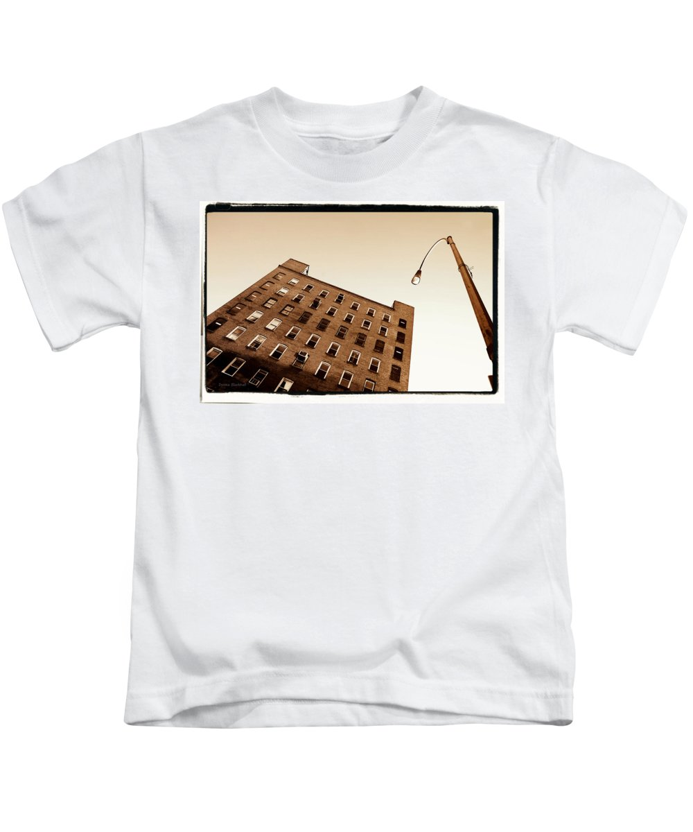 New York Kids T-Shirt featuring the photograph Under The Street Lamp by Donna Blackhall