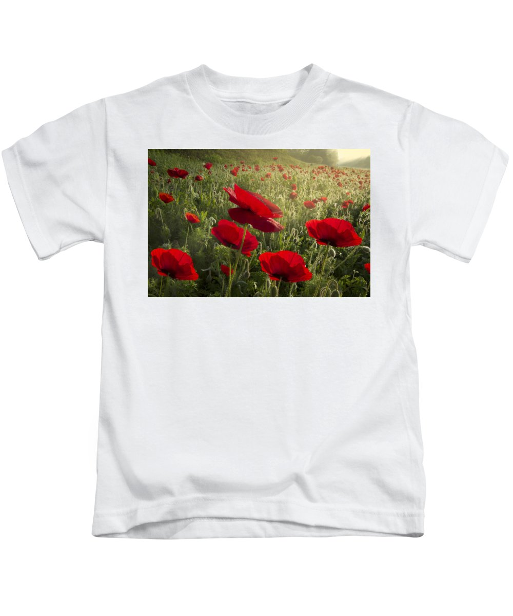 Appalachia Kids T-Shirt featuring the photograph Waiting For The Morning by Debra and Dave Vanderlaan