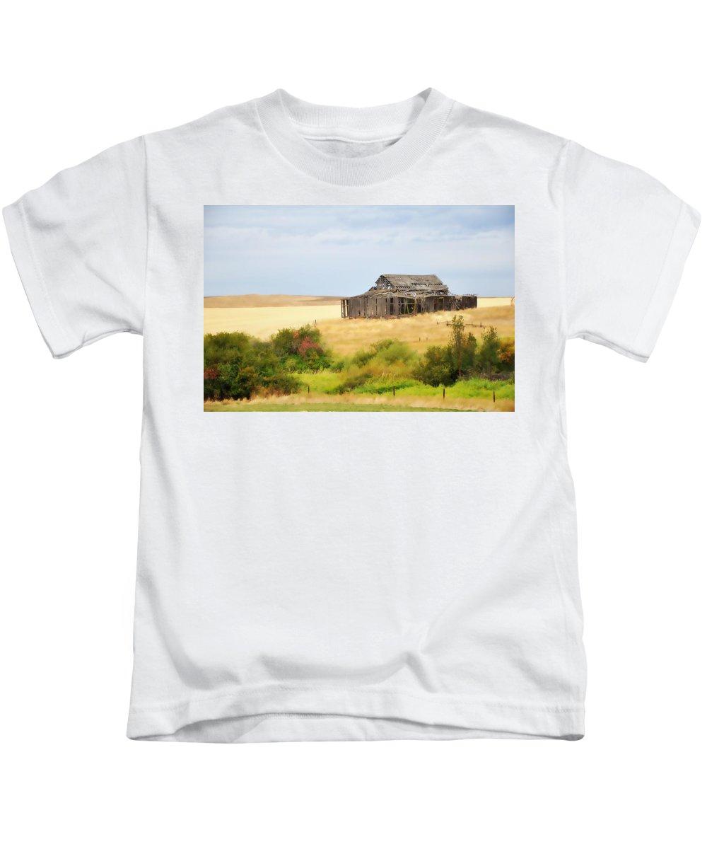 Washington Kids T-Shirt featuring the photograph Washington - Still Standing by Image Takers Photography LLC