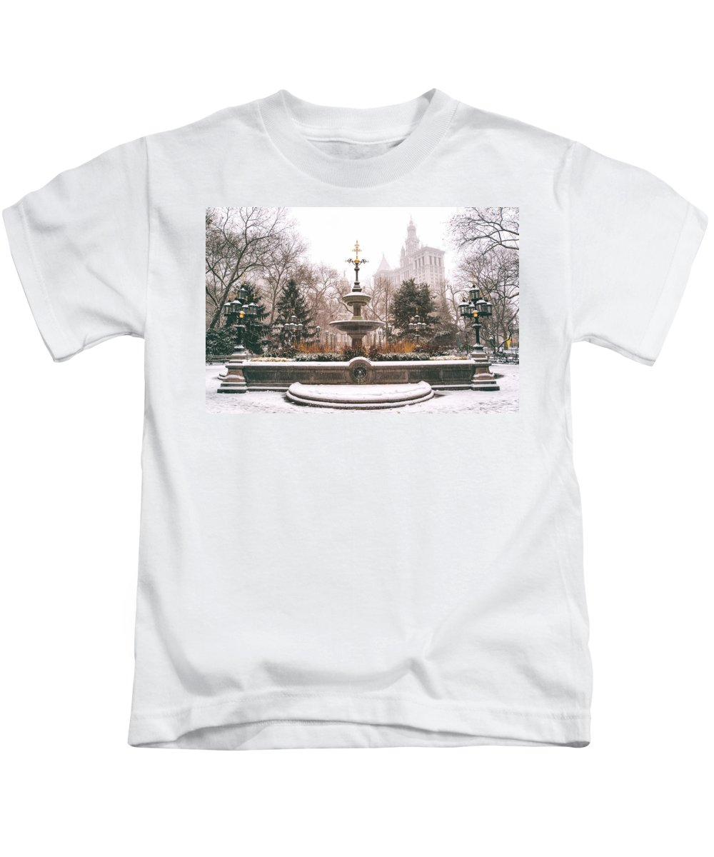 Nyc Kids T-Shirt featuring the photograph Winter - City Hall Fountain - New York City by Vivienne Gucwa