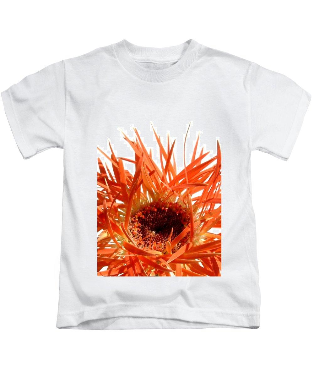 Gerbera Photographs Kids T-Shirt featuring the photograph 0687c-024 by Kimberlie Gerner