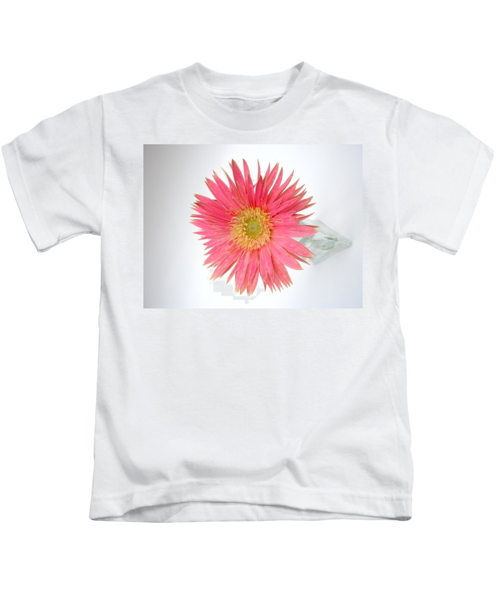 Gerbera Photographs Kids T-Shirt featuring the photograph 5485c by Kimberlie Gerner