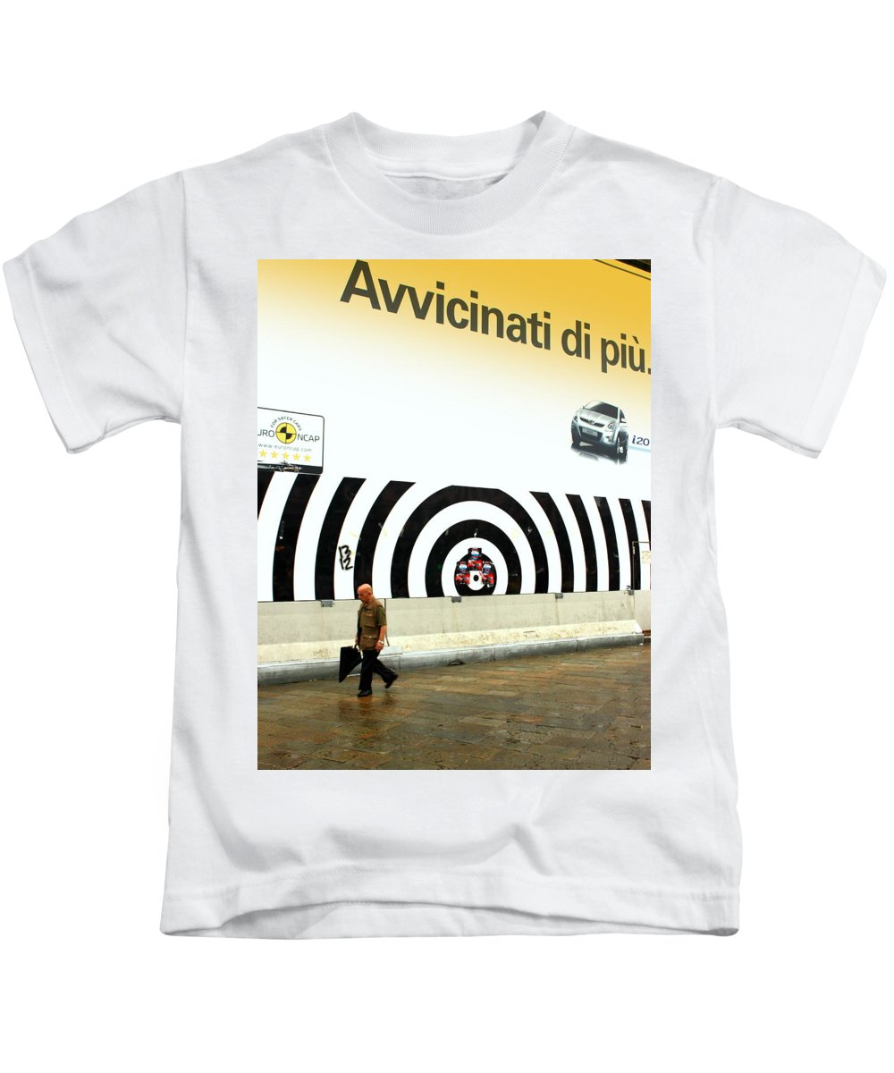 Street Kids T-Shirt featuring the photograph Getting Closer by Valentino Visentini