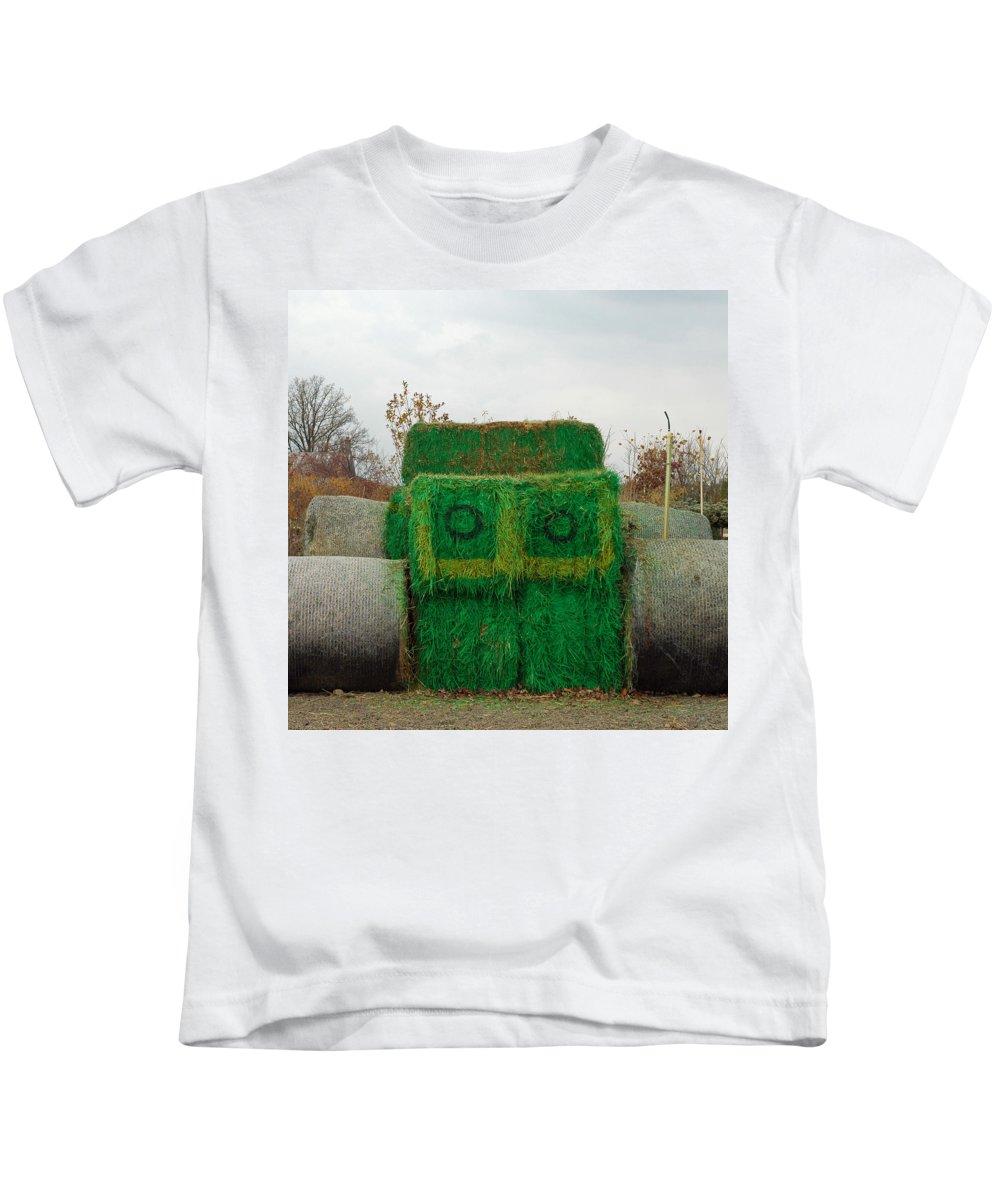Usa Kids T-Shirt featuring the photograph John Deer Made Of Hay by LeeAnn McLaneGoetz McLaneGoetzStudioLLCcom