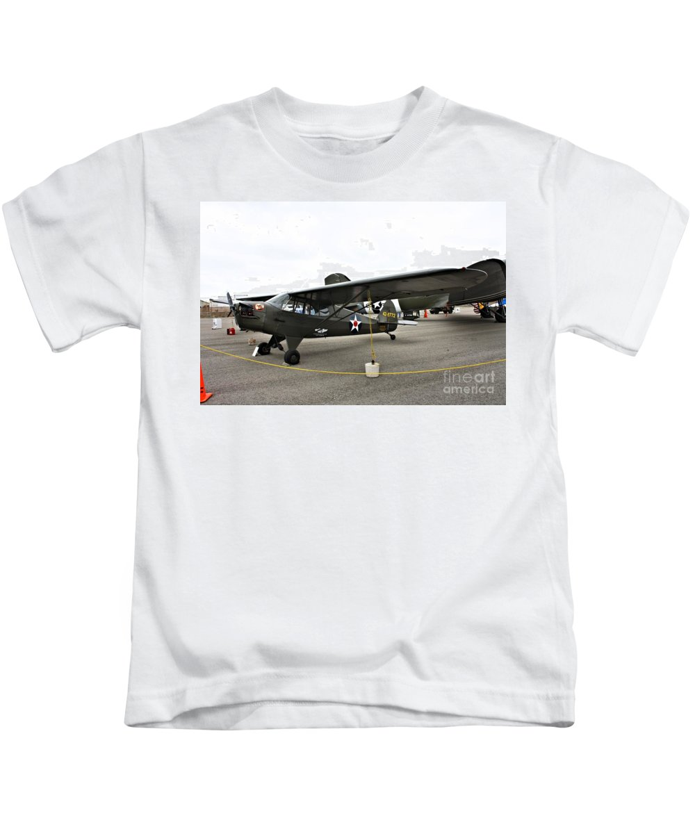 Piper Kids T-Shirt featuring the photograph Piper L4 Grasshopper Usa by Tommy Anderson